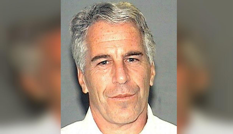 Fiscalía de EE.UU. acusa a magnate Jeffrey Epstein de crear red para abusar de niñas