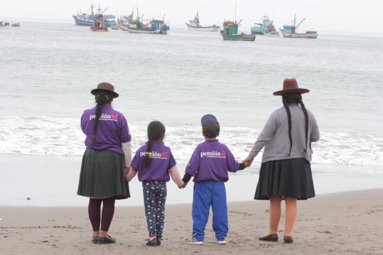 Niños ganadores del concurso 'Los abuelos ahora'