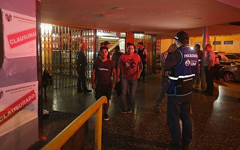 Municipalidad de Lima clausura cine Tauro que era utilizado para la prostitución