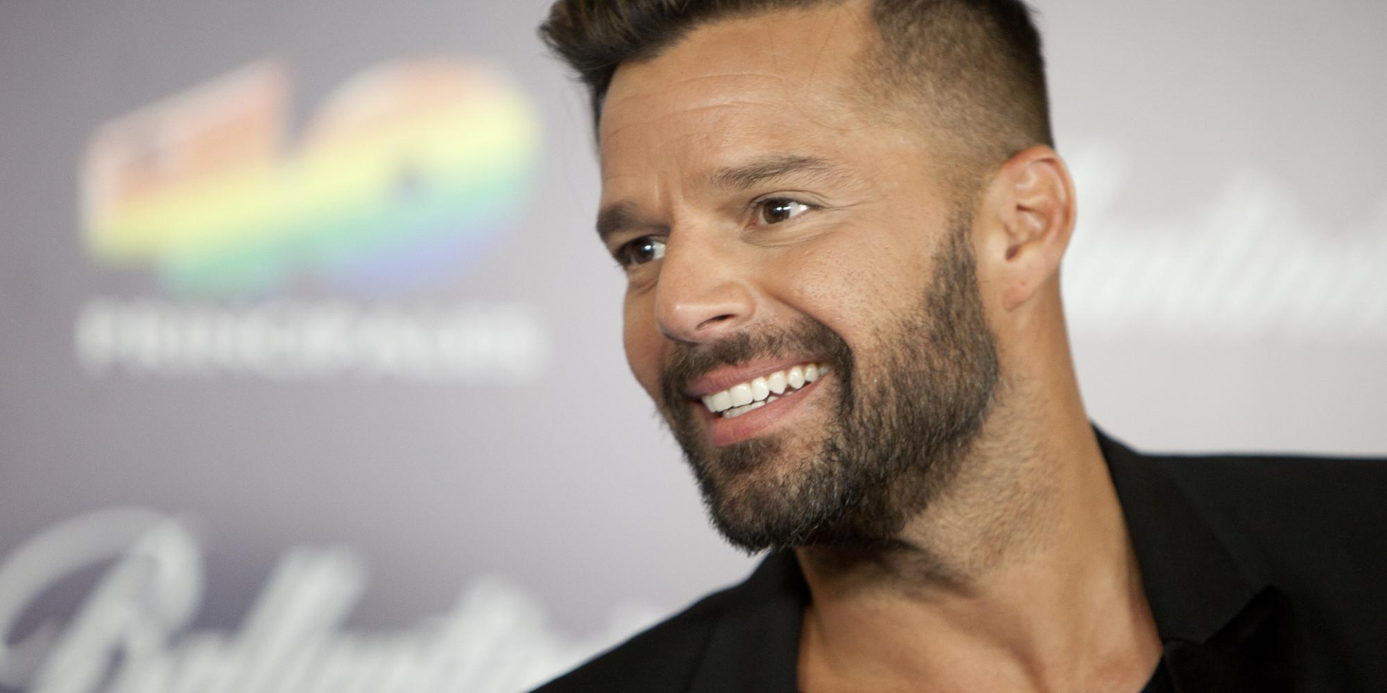 Cumpleanos Feliz Ricky Martin.Ano 2019 Ricky Martin Recibe El Nuevo Ano Convirtiendose En