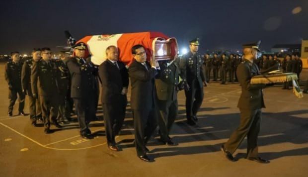 Fuerzas Armadas investigarán y sancionarán a responsables del error en entrega de cuerpos de militares