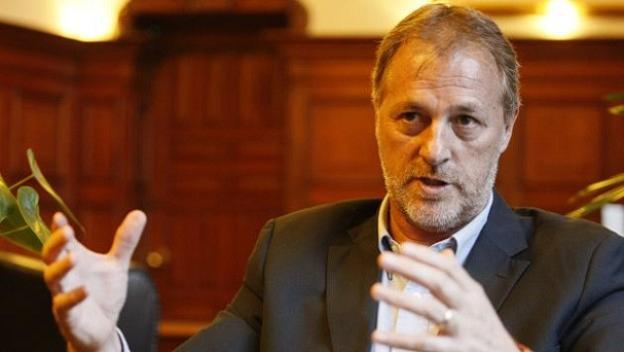 """Jorge Muñoz anuncia que """"ajustará mecanismos"""" para atender mejor a comerciantes de Mesa Redonda"""