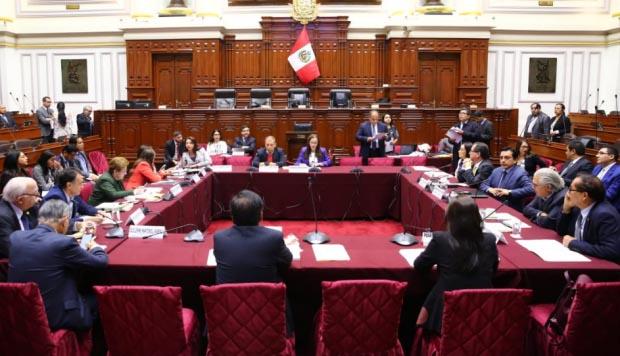 Reforma política: Comisión de Constitución posterga debate hasta el lunes