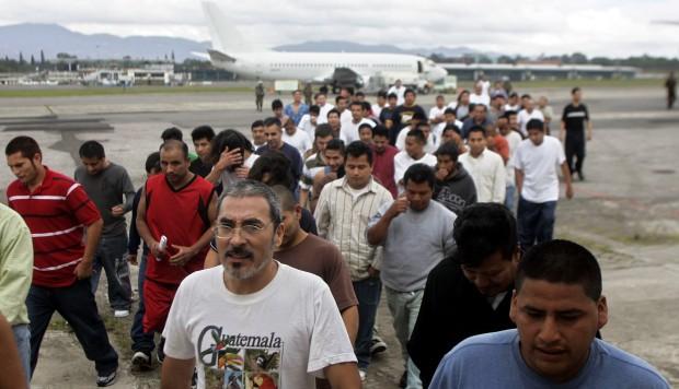 Estados Unidos planea redadas masivas contra familias indocumentadas desde el domingo