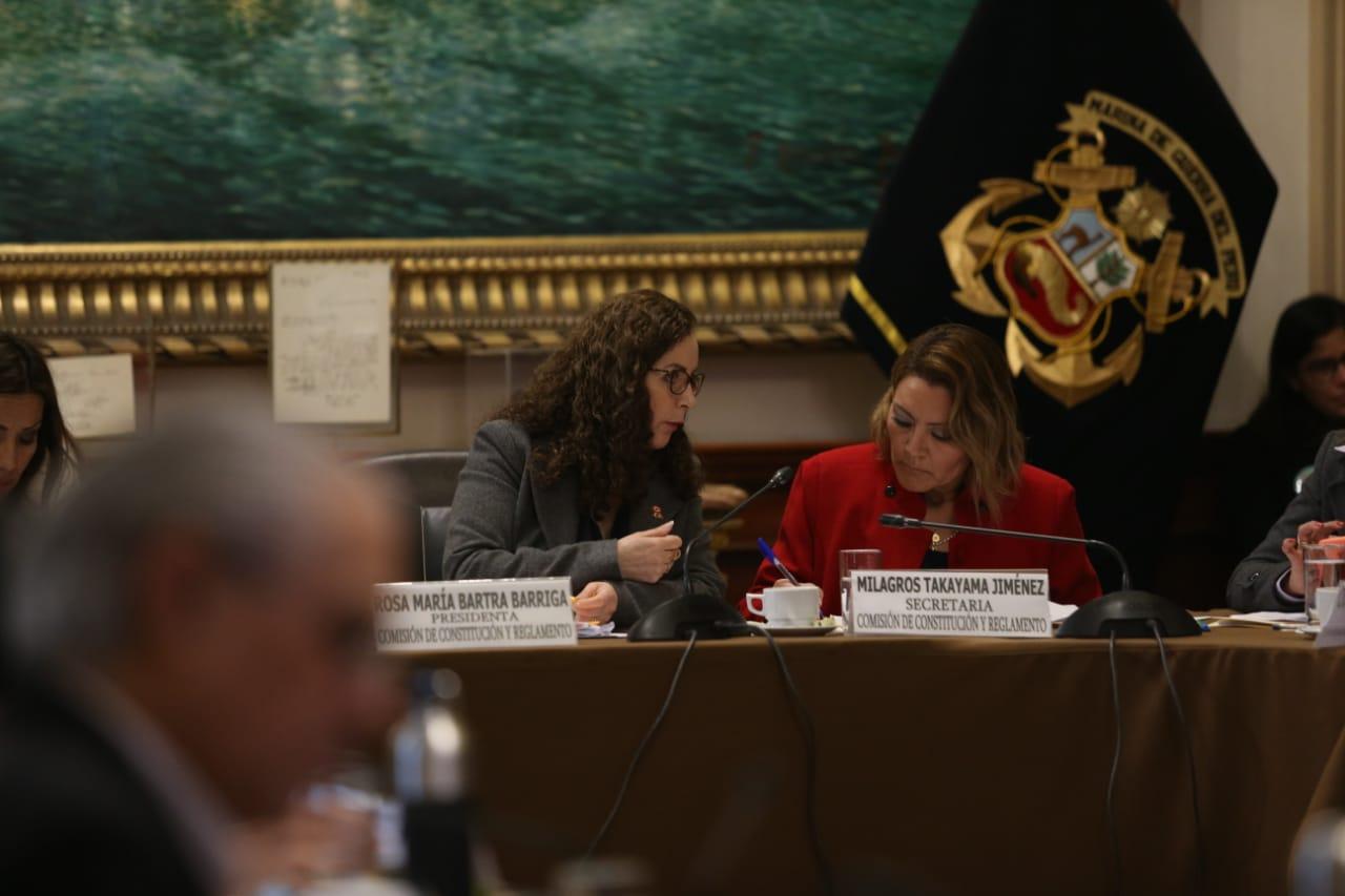 Comisión de Constitución aprobó su propia propuesta de inmunidad parlamentaria
