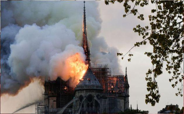 Notre Dame: Investigación preliminar descarta origen criminal
