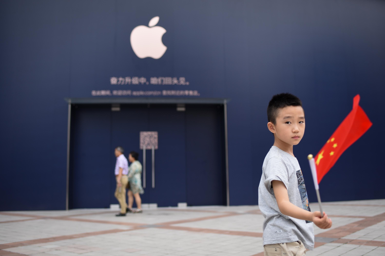 Un pequeño tornillo demuestra por qué Apple tiene que fabricar sus productos en China