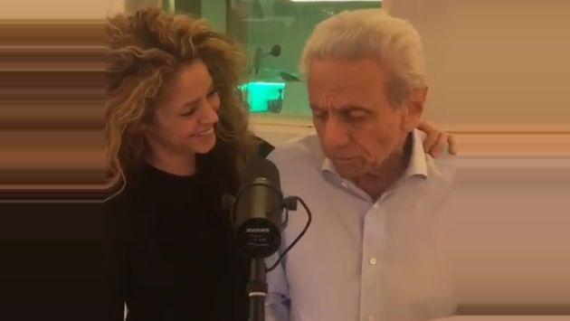 Shakira conmueve cantando junto a su padre el tema Dominó de Andy Williams