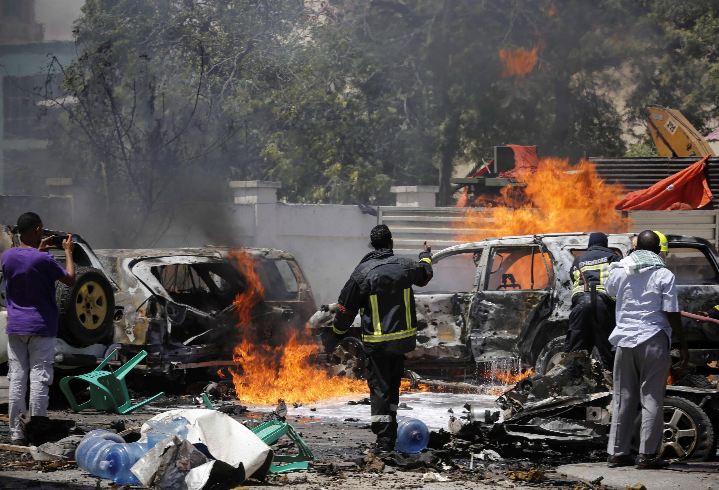 Coche bomba deja al menos 12 muertos y 15 heridos en Somalia | FOTOS