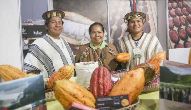 Minagri: Familias de siete regiones presentan productos en stands del Salón del Cacao y Chocolate