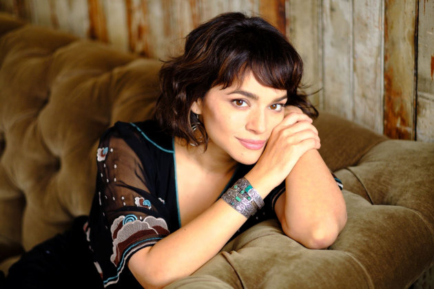 Norah Jones revela detalles de su nuevo álbum de estudio Begin Again
