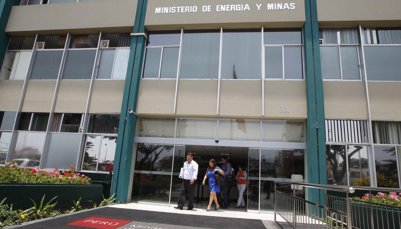 Gobierno publica nuevo reglamento para protección ambiental en actividades eléctricas