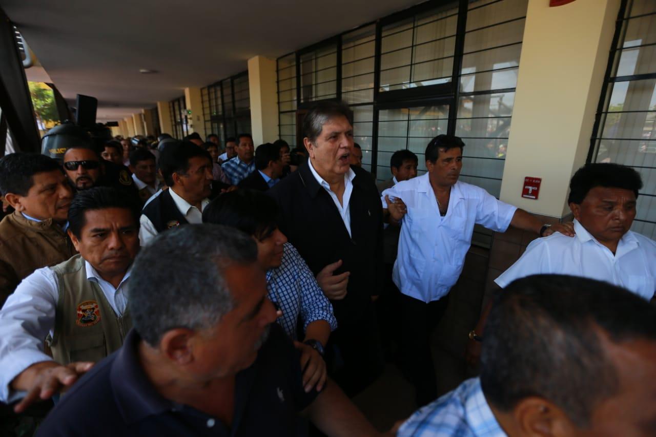 Alan García: enfrentamiento se registra cuando ex presidente emitía su voto [VIDEO]