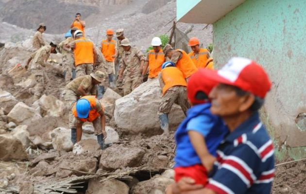 Fuerzas Armadas seguirán en alerta permanente tras emergencia por huaicos y lluvias