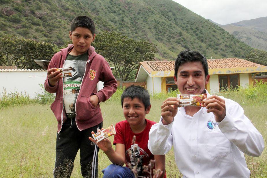 Julio Garay combatirá la anemia en Uchuraccay con sus galletas Nutri Hierro