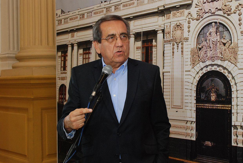 Jorge del Castillo exhorta a Martín Vizcarra a nombrar nuevo ministro de Defensa