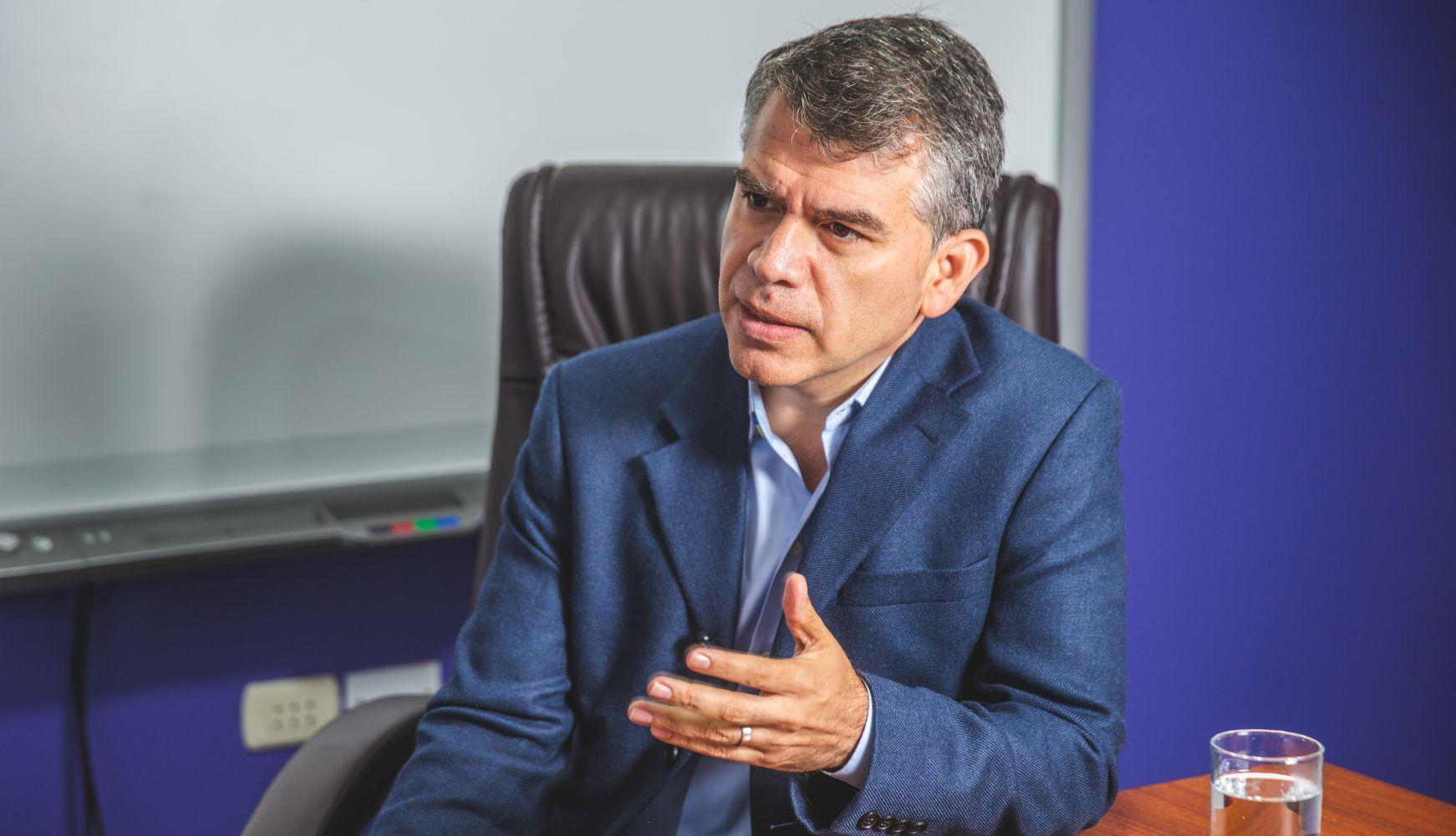 Julio Guzmán, el Partido Morado y una crisis en una semana electoral clave