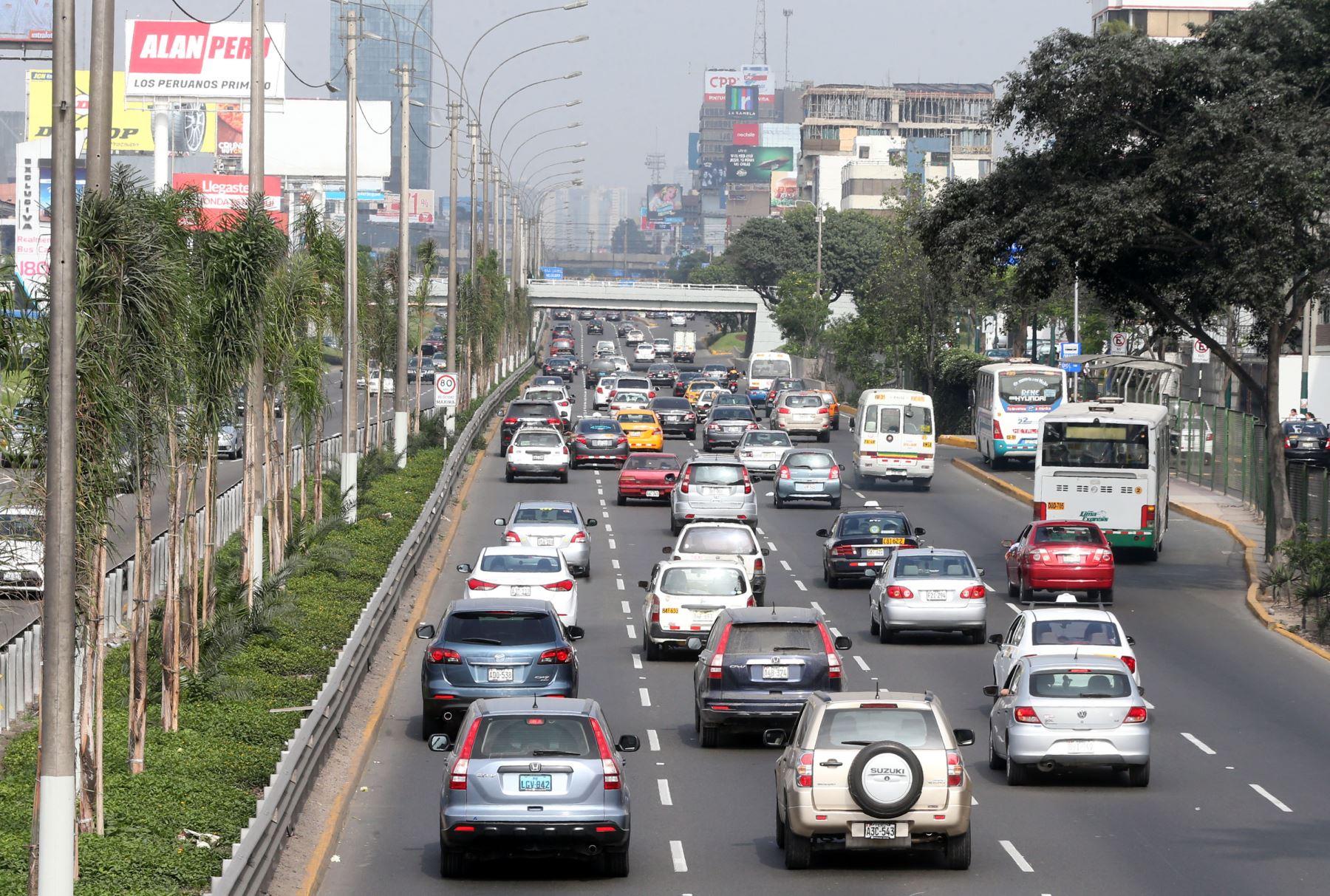 Municipalidad de Lima evaluará restringir tránsito de autos según su número de placa