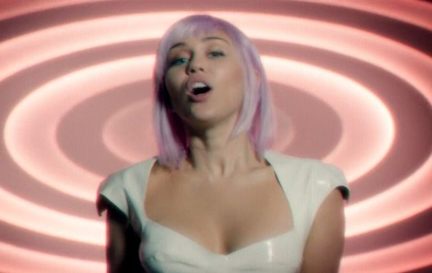 La canción de Ashley O en 'Black Mirror' es en realidad un tema de Nine Inch Nails