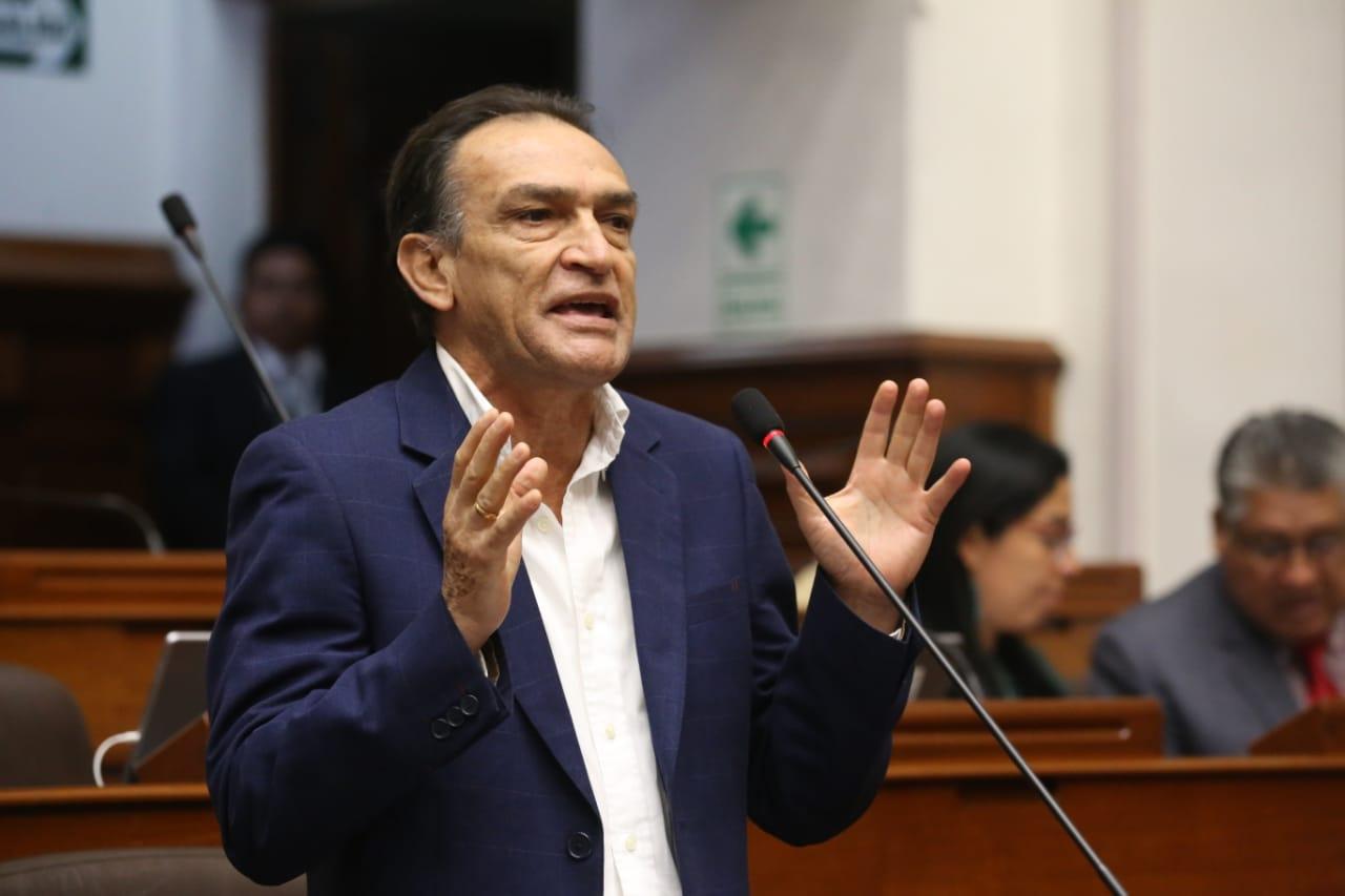 Héctor Becerril asegura que Fuerza Popular está en conversaciones para recuperar miembros
