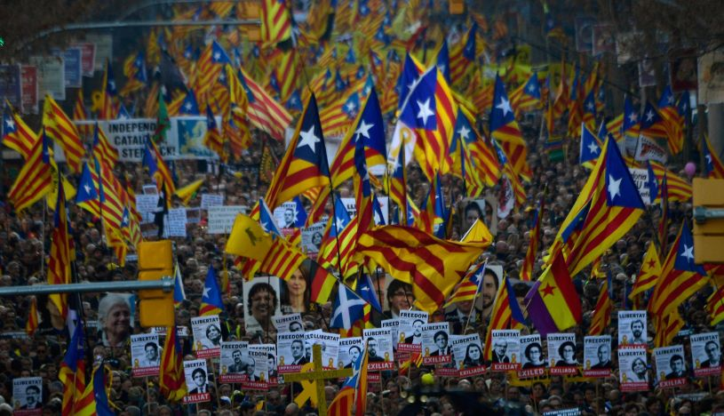 Miles protestan contra el juicio a independentistas catalanes | FOTOS