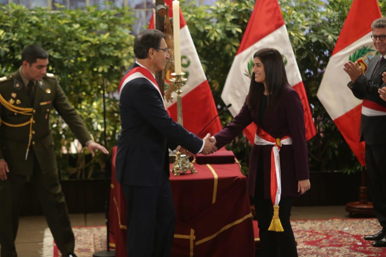 Presidente Martín Vizcarra tomó juramentación de María Antonieta Alva Luperdi en la cartera de Economía. (Foto: El Comercio / Alonso Chero)