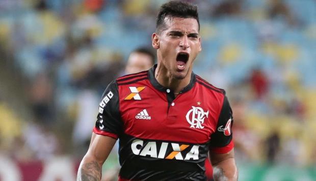 El peruano Miguel Trauco ha sido confirmado como titular en la escuadra del Flamengo (BRA) que enfrentará a Independiente (ARG) por la final de la Copa Sudamericana.