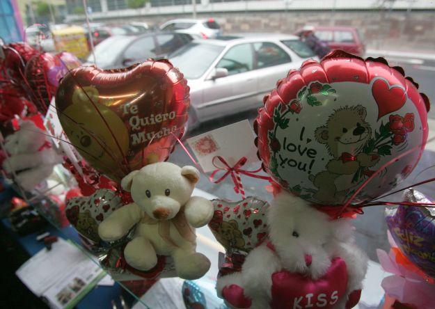 San Valentín: Peruanos buscan el regalo ideal en Internet