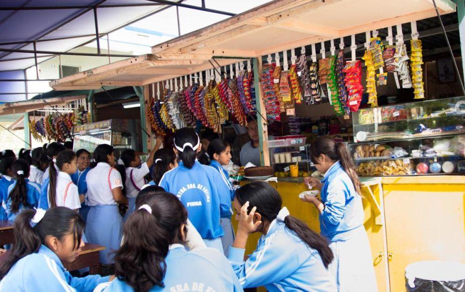 ¿Cuáles son los alimentos que podrán vender las cafeterías, quioscos y comedores escolares? | FOTOS