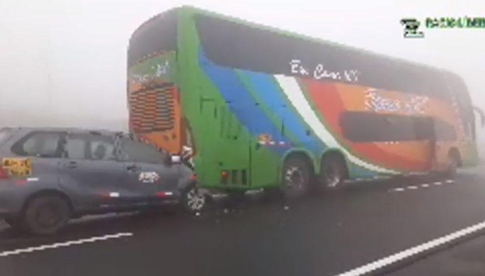 Ancón: varios heridos dejó accidente múltiple en la variante de Pasamayo