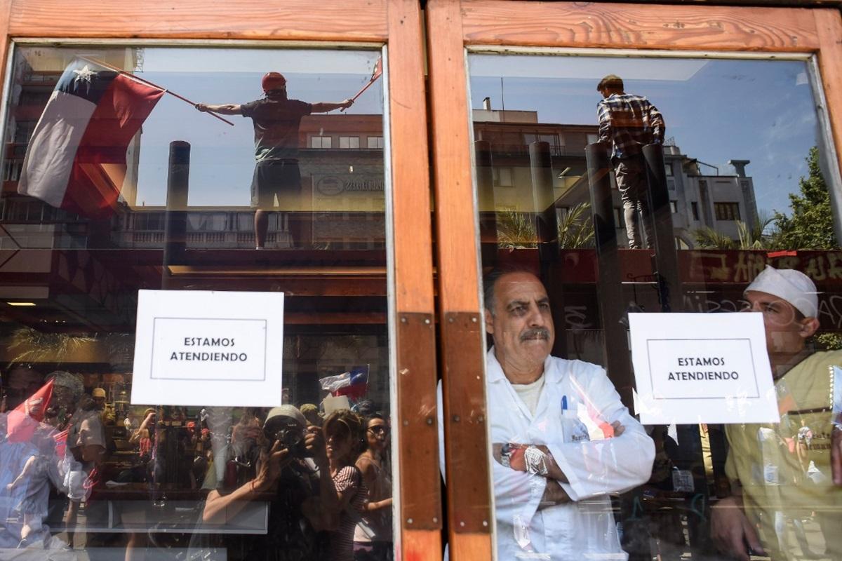 Chile: la situación que enfrentan los restaurantes peruanos en Santiago en medio de las protestas - El Comercio - Perú