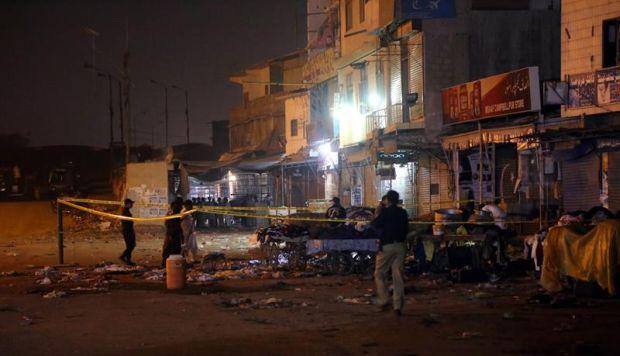 Pakistán: al menos 13 muertos y 22 heridos tras atentado con bomba en bazar