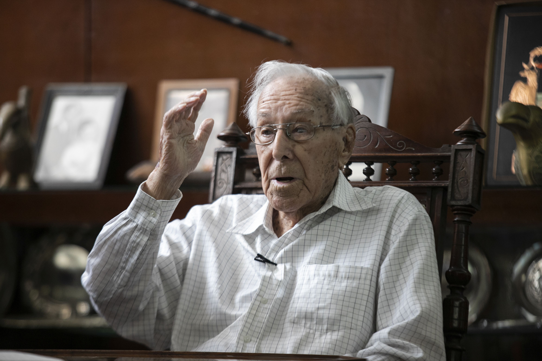 """Luis Bedoya Reyes: """"El bicentenario es un hito para mirar hacia atrás e imaginar hacia adelante"""""""
