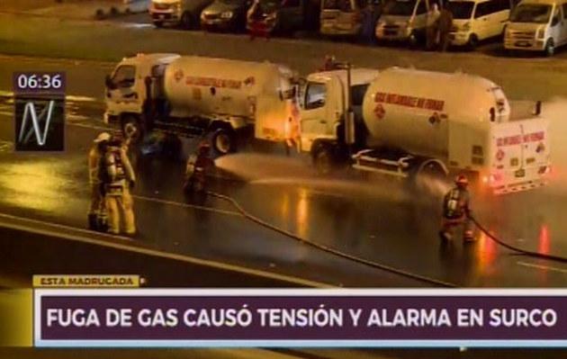 Surco: fuga de gas en camión cisterna causó alarma en plena carretera | VIDEO