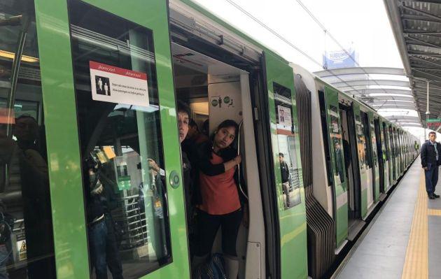 Usuarios reportaron esta mañana cortocircuito en estación de Metro de Lima