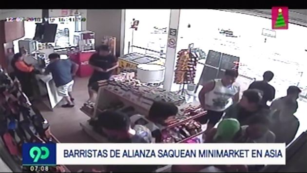 Acusan a hinchas de Alianza Lima de saquear minimarket de grifo