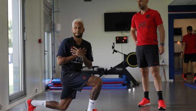 Neymar regresó a los entrenamientos de PSG en medio de la incertidumbre sobre su continuidad