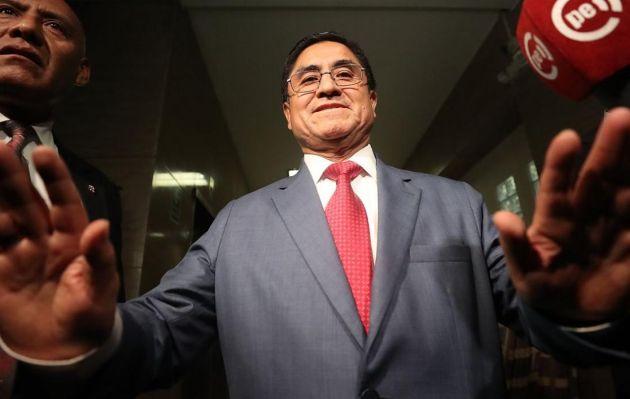 Perú formalizó pedido de extradición de César Hinostroza ante España