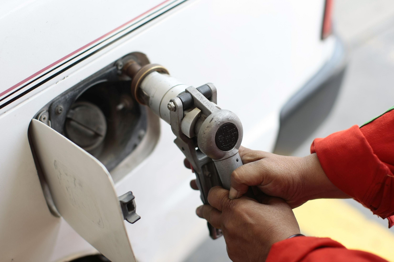 Opecu: Precios de combustibles bajan hasta en 6.86% por galón