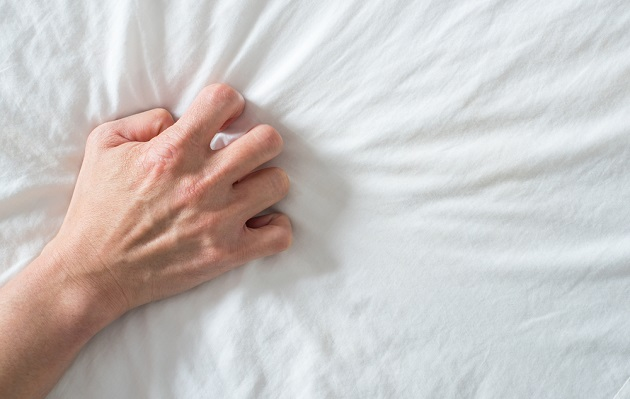 Hombre quedó ciego temporalmente luego de tener un fuerte orgasmo