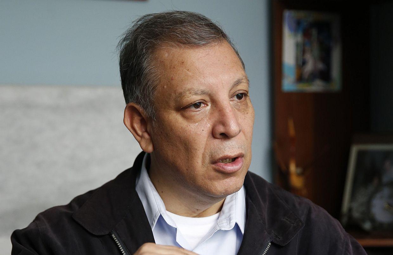 Marco Arana presentó denuncia contra Héctor Becerril en Comisión de Ética