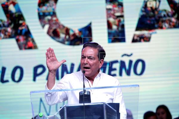 Cortizo, del Partido Revolucionario Democrático (PRD), fue electo el domingo pasado. (EFE)