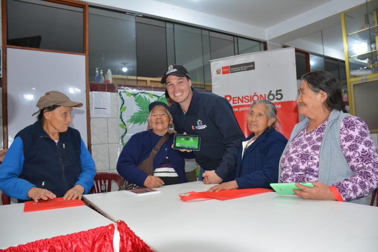 La Victoria y el Midis crean programa social para acabar con analfabetismo en adultos mayores | FOTOS