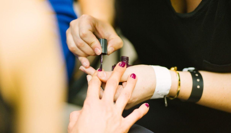 Ocho pasos para hacerte una manicure en seco