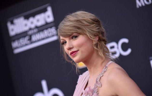 Taylor Swift anuncia la fecha de lanzamiento de su nuevo disco 'Lover' | VIDEO