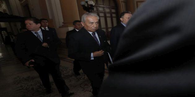 Pedro Chávarry solicita reprogramar su citación en el pleno del Congreso