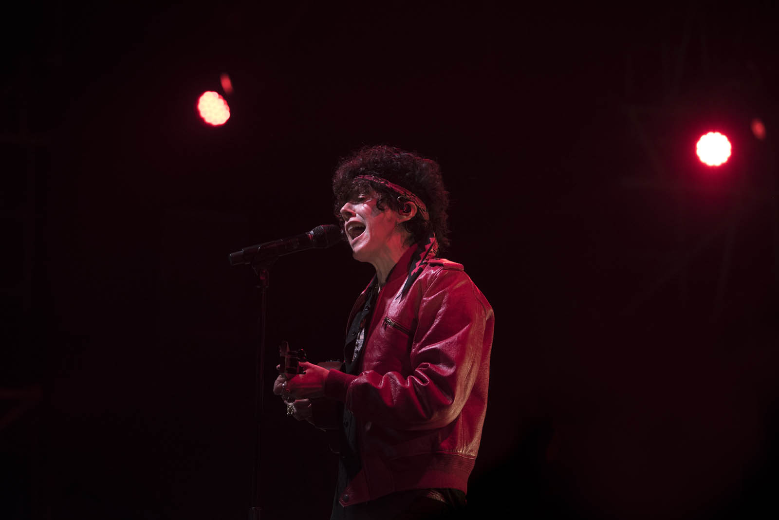 LP: de escribir canciones para estrellas mundiales a emocionar al Perú con su voz