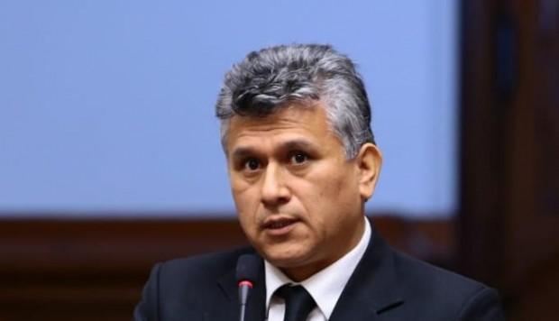 Investigarán a César Campos por denuncia de recorte de sueldos a trabajadores