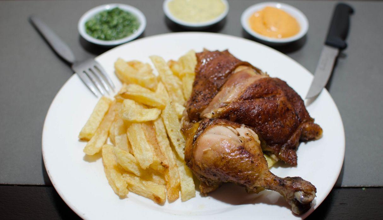 Día del Pollo a la brasa: ¿cómo podemos disfrutarlo sin que las calorías dañen  nuestra dieta?