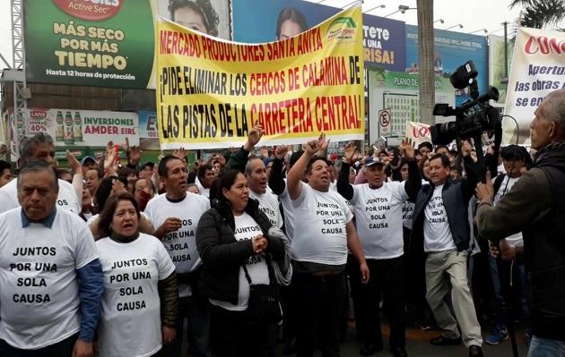 Santa Anita: comerciantes afectados por obras inconclusas de Metro de Lima [VIDEO]